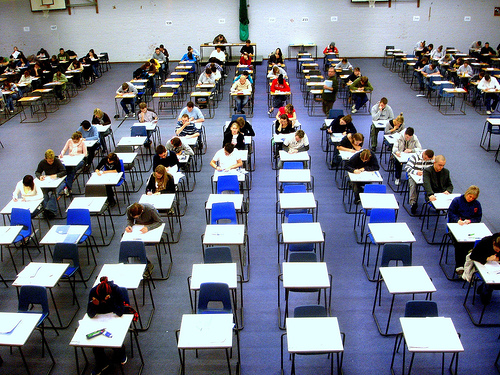 How to describe an examination hall in the summer?